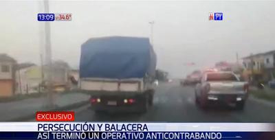 Camión de contrabando logra escapar pese a persecución y balacera