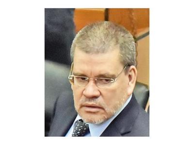 Senador Barrios pide la cárcel para diputado si cometió delito