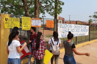 UNA: Apartan al docente acusado de acoso sexual