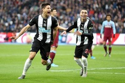 Balbuena marca en la derrota ante el Newcastle de Almirón