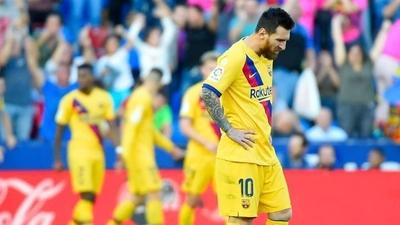 HOY / El modesto Levante propina una dura derrota al Barcelona de Messi