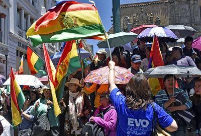 Protestas decaen en Bolivia pero crece incertidumbre