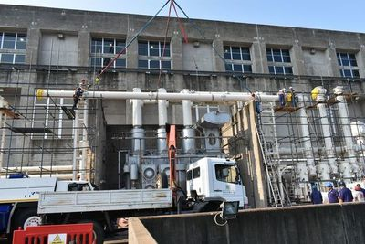 Realizan montaje de barras de 500 kV en Yacyretá