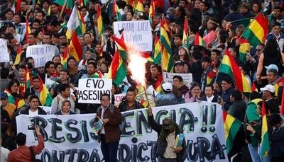 Bolivia: Grupos cívicos dan 48 horas a Evo Morales para que renuncie a la presidencia