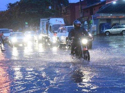 Amplían alerta de tormentas a nueve departamentos