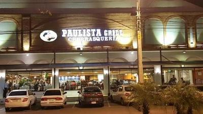 Indignación por polka stronista en el restaurant Paulista Grill