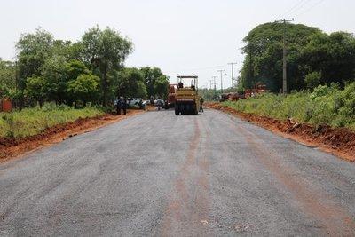 Gobierno comienza trabajos de 200 kilómetros de asfaltados en la Región Oriental