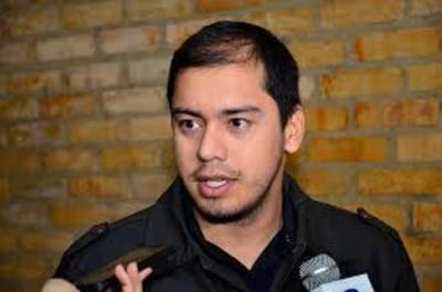Prieto rechaza escraches y advierte a funcionarios