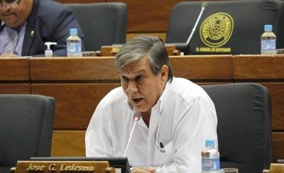 """HOY / Efraín queda sin representantes en el Senado: """"Ya nadie responde a él"""""""