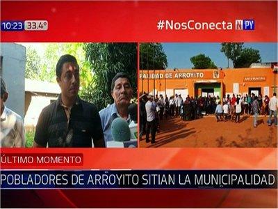 Pobladores sitian Municipalidad de Arroyito por presuntas obras fantasmas