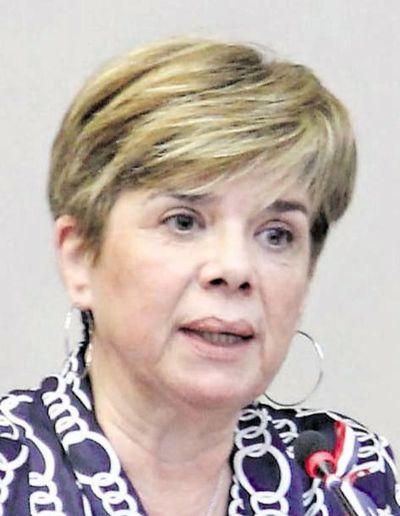 Urnas Electrónicas: senadora afirma que empresas participantes poseen denuncias y que máquinas no expiden comprobante de voto
