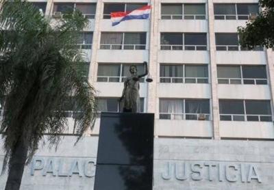 Acuerdo y Sentencia N° 883 de la Sala Constitucional