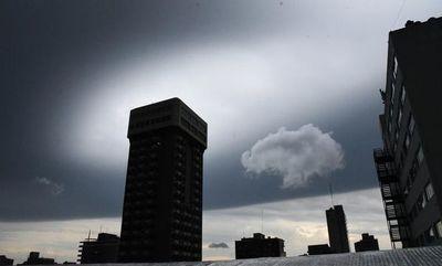 Anuncian día inestable, con calor, lluvias y tormentas eléctricas
