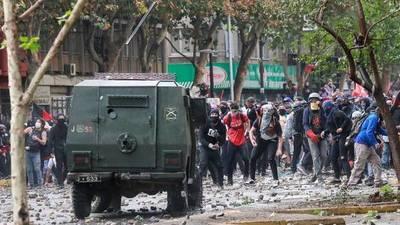 Chile, un país en crisis: Decenas de miles reanudan protestas en las calles