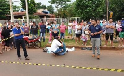 Mujer muere arrollada por motociclista