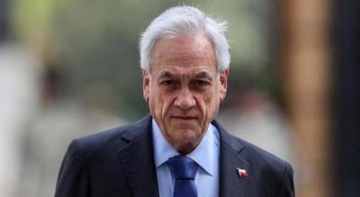 Sebastián Piñera asegura que no renunciará y no descarta reformar la Constitución