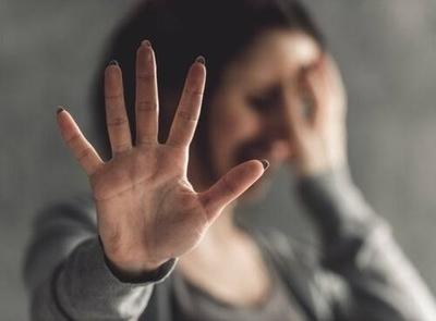 HOY / El camino al feminicidio da señales: instan a entorno cercano a involucrarse y denunciar