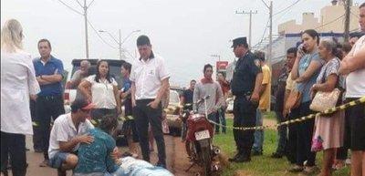 Mujer fallece atropellada por una moto tras salvar a su hijo