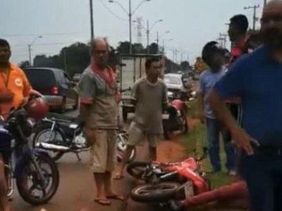 Salvó a un niño y murió arrollada por una moto