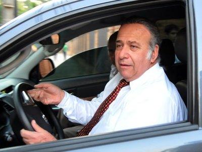 González Daher es beneficiado con permiso para trabajar