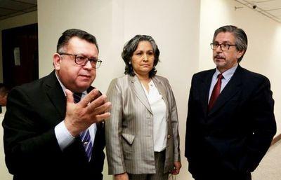 Jueces de CDE que liberaron a expolicía abusador solicitan levantamiento de suspensión