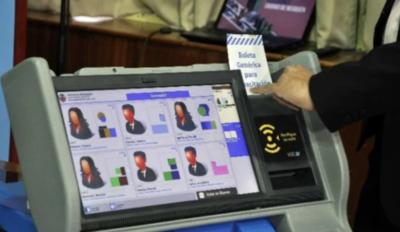HOY / Voto electrónico: alertan sobre antecedentes de empresas que pugnan por licitación de US$ 22 millones