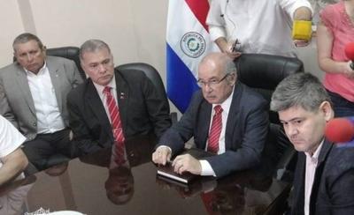 """HOY / Pedirán a cámaras del Congreso declarar """"emergencia hidrológica"""" ante bajante del río Paraguay"""