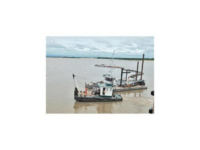 Buques sortean puntos críticos del río, mientras buscan mejorar navegabilidad