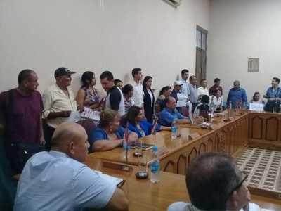 Concejales «borrarán con el codo» un escrito remitido al Senado