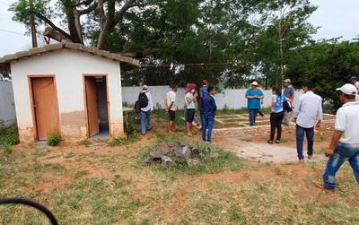 Estudiante de Arroyito: «seguiremos orinando en el árbol»