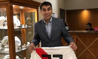 """El apoyo de """"Pipino"""" Cuevas a River Plate"""