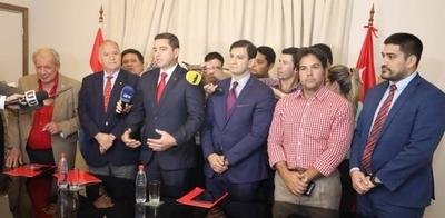 """HOY / Comisión Ejecutiva de la ANR con """"debut"""" de Galaverna y visita de Abdo"""
