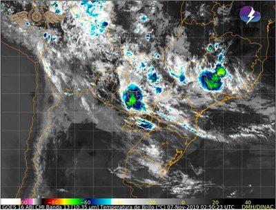 Rige alerta de tormentas para 12 departamentos