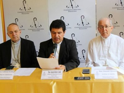 """Arzobispo tacha de """"inmoral"""" dar más subsidio a partidos políticos"""