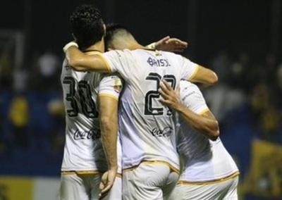 Guaraní goleó a Sol y se anotó nuevamente en la final de la Copa Paraguay