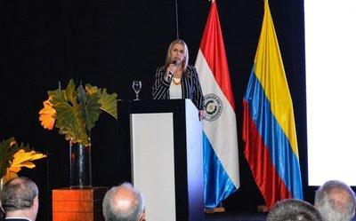 Ministra avizora futuro prometedor en las relaciones comerciales con Colombia