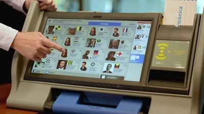 Apoderado de PLRA cree que ANR habría maniobrado para suspender licitación de máquinas de votación