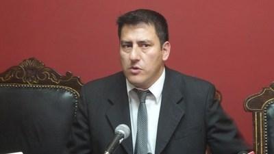"""Ministro de Defensa de Bolivia advierte: """"Estamos a un paso de comenzar a contar a los muertos por docenas"""""""