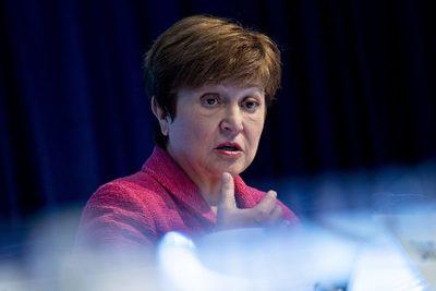 FMI avizora tiempos oscuros en Europa