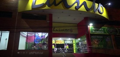 Electricista murió de una descarga mientras trabajaba en un supermercado