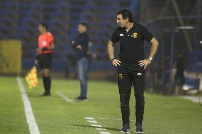 """Gustavo Costas: """"Apareció ese equipo que no venía perdiendo"""""""