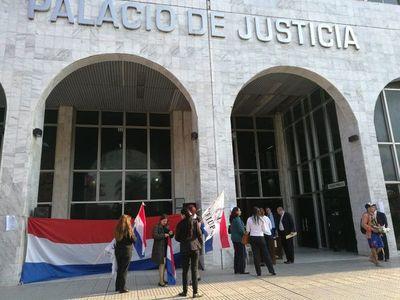 Ministro de la Corte pide lista de funcionarios que se adhieren a paro judicial