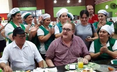 Gobernador anuncia obras en Feria Permanente