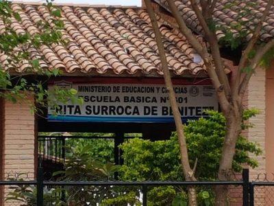 Escuela Rita Surroca, ladrones entraron a robar e incluso prendieron papeles en la dirección