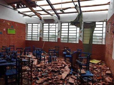 Temporal causó destrozos en un colegio de Ñemby