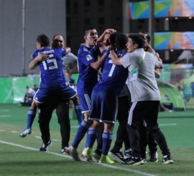 Albirrojita remonta marcador adverso ante Argentina y clasifica a cuartos de final