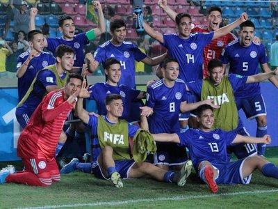 La celebración albirroja tras la vigorosa remontada ante Argentina