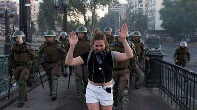 Piñera vuelve a endurecerse y convoca a un consejo de seguridad por las protestas
