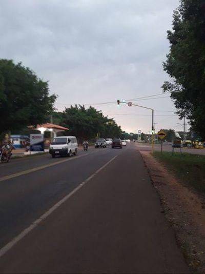 Por fín los semáforos empezaron a funcionar en Horqueta