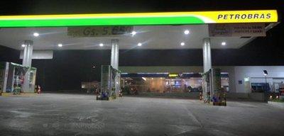Motochorros roban dos gasolineras en menos de 20 minutos